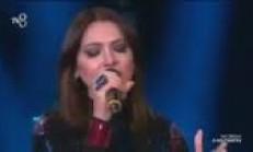 Hadise'den Yıldız Tilbe Şarkısı izle